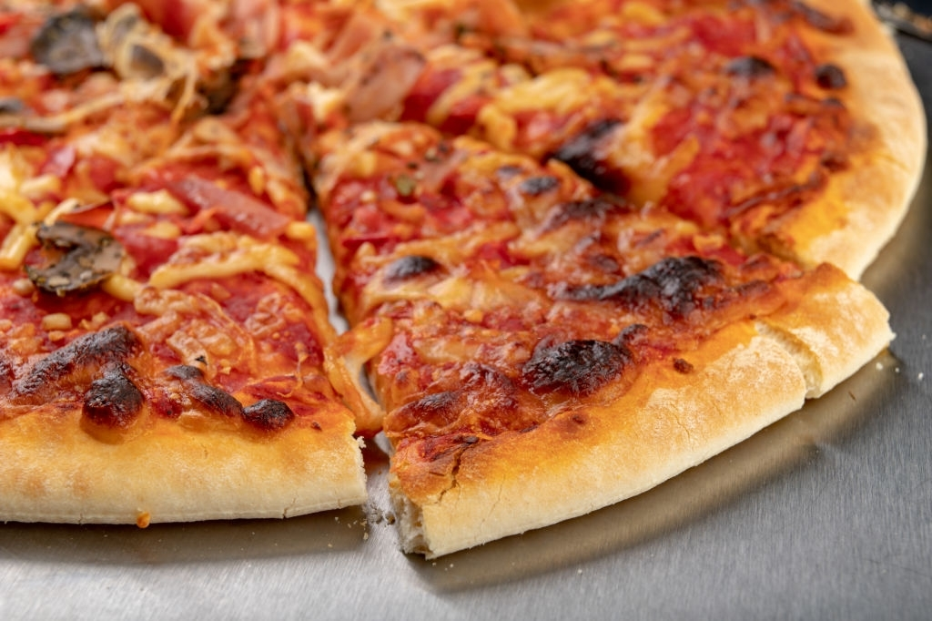The Best Way to Reheat Deep Dish Pizza-The Complete Guide
